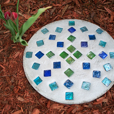 6. Place stepping stone in your garden.